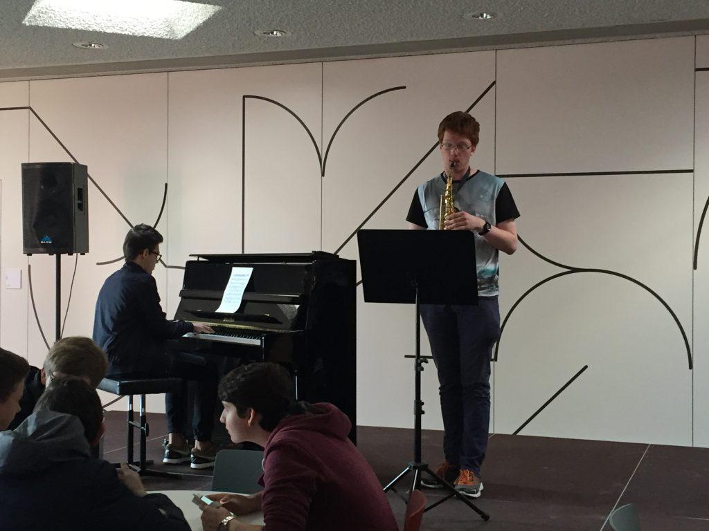 Saxophon und Klavier III